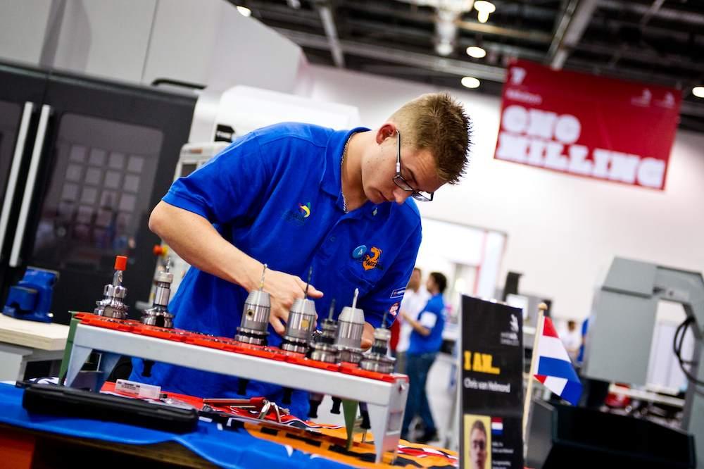 Chris van Helmond in actie op de World Skills 2011