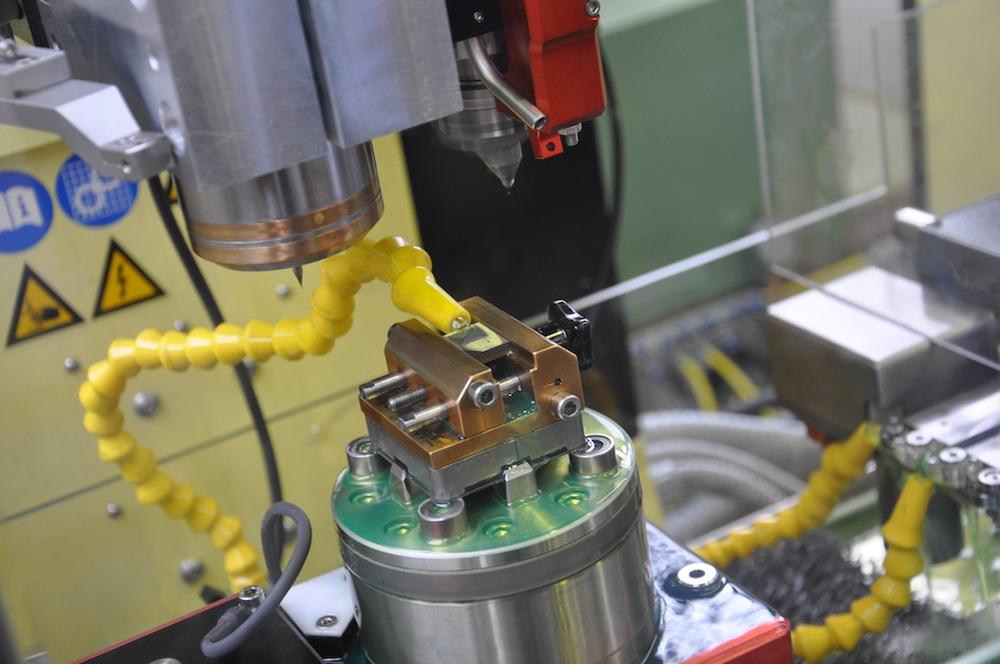 Microfrees met schacht van 40 µm en snijhoek 0,5 µm