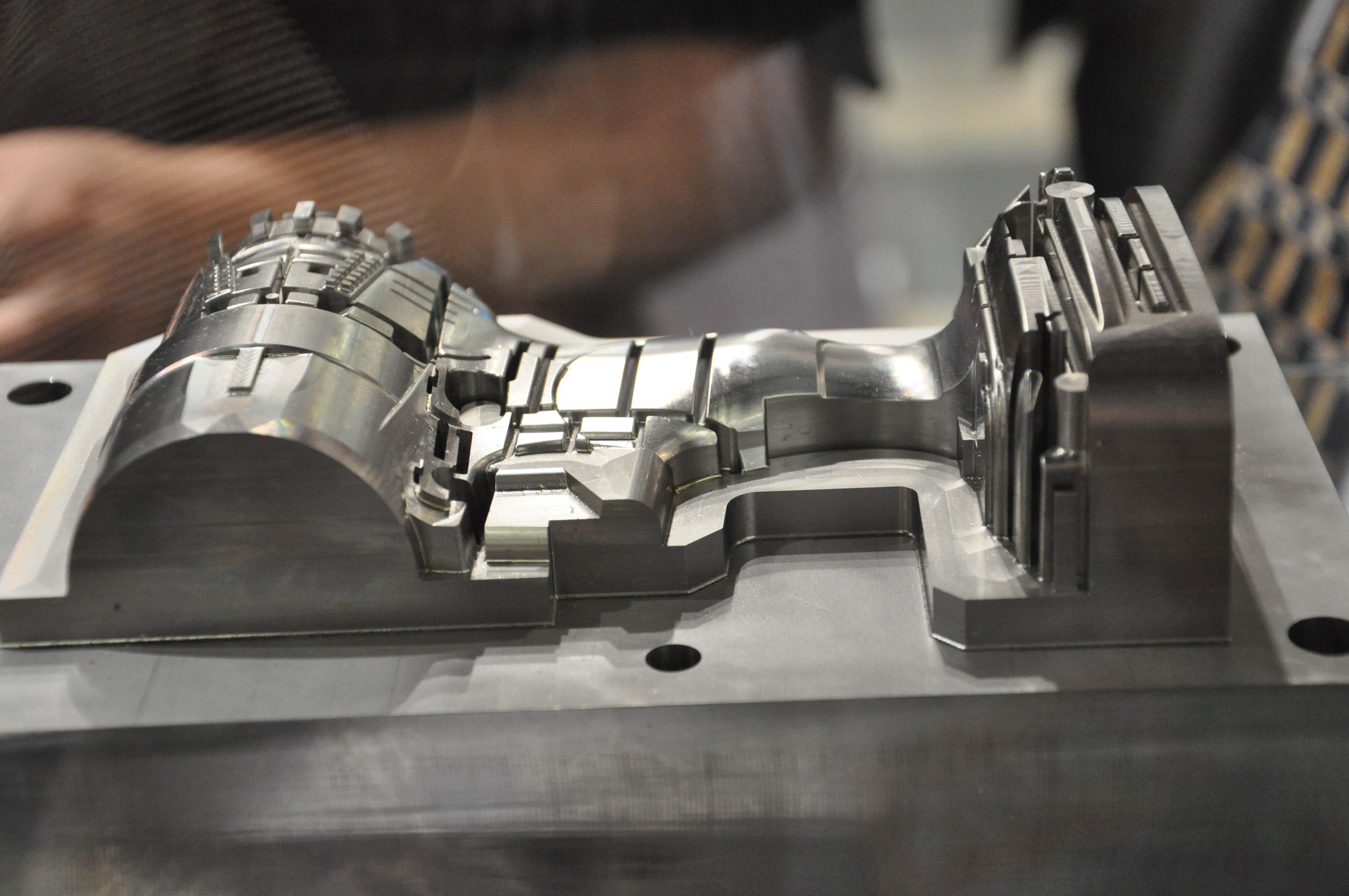 Matsuura Lumex lasersinteren en frezen in een machine, EDM overbodig