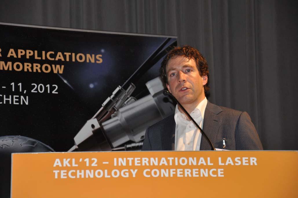Lightmotif: laser maakt matrijs vuilafstotend