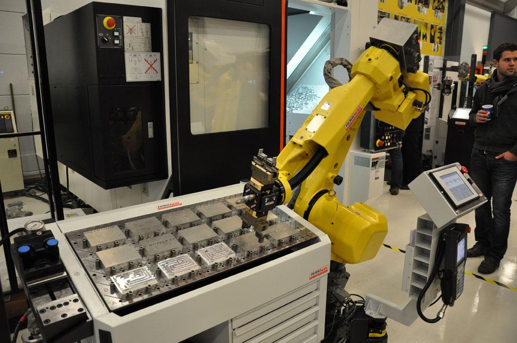 Robojob: één oplossing voor frees- en draaimachine