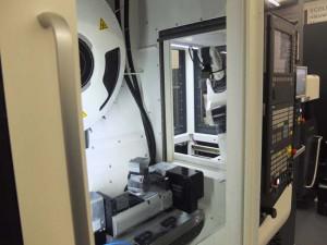 De robot kan werkstukken tot 5 kilogram handlen