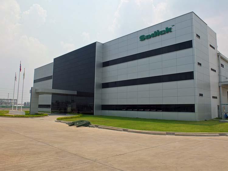 Vonkverspaners uit Benelux bezoeken Sodick fabriek Thailand