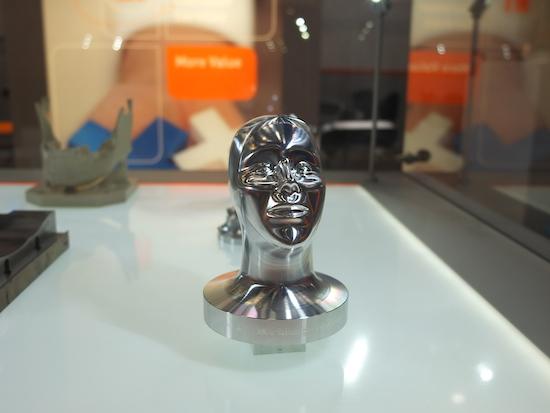 Precisiefreesdeel op een Mikron HSM-machine gemaakt.