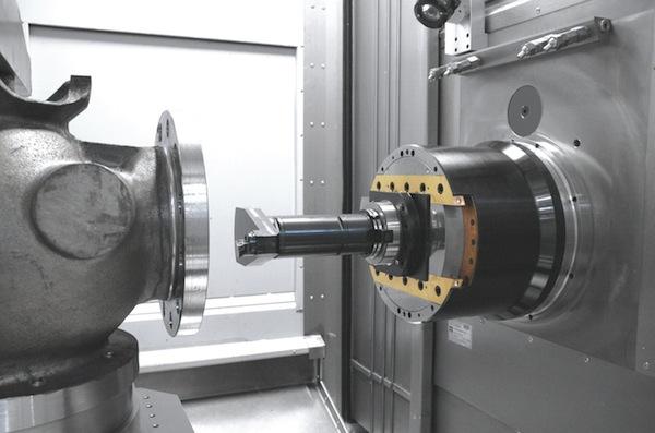 Heckert DBF 630 combineert frezen, boren én draaien met speciale Planschieber