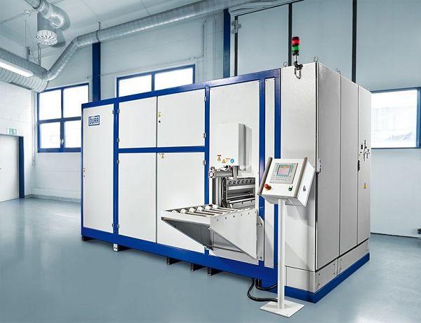 Voor reinigingstests met waterige media is de Universal 81W installatie beschikbaar. Deze is met ultrageluid, high-performance injectie-vloeddebietreiniging en diverse drogingssystemen uitgerust.