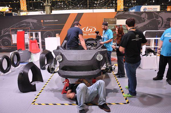 Strati eerste 3D-geprinte auto rijdt na zes dagen IMTS