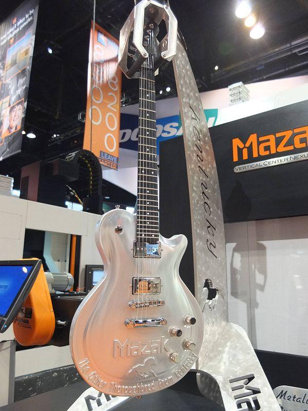 Mazak-gitaar207-46 PM