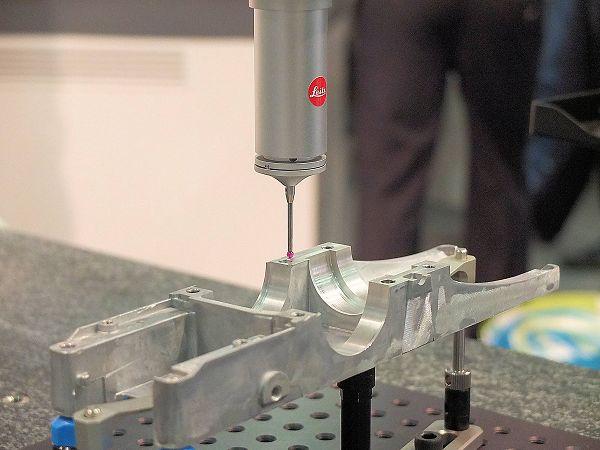 De meetmachine is geschikt voor zowel het scannen van de meetpunten als het taktiel meten.