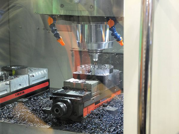 Limas start Spinner Democenter in Nederland