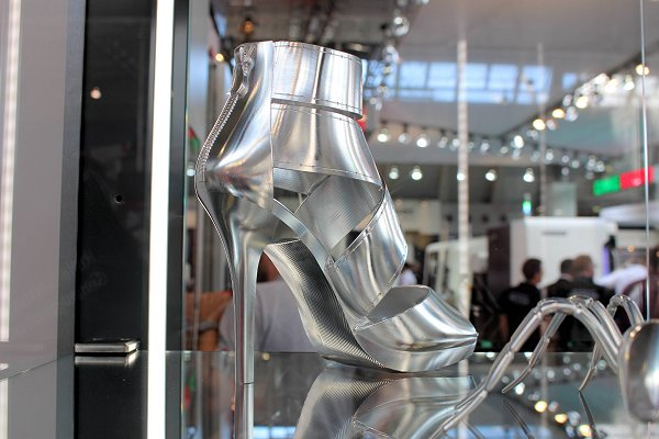 Open Mind: high heels frezen