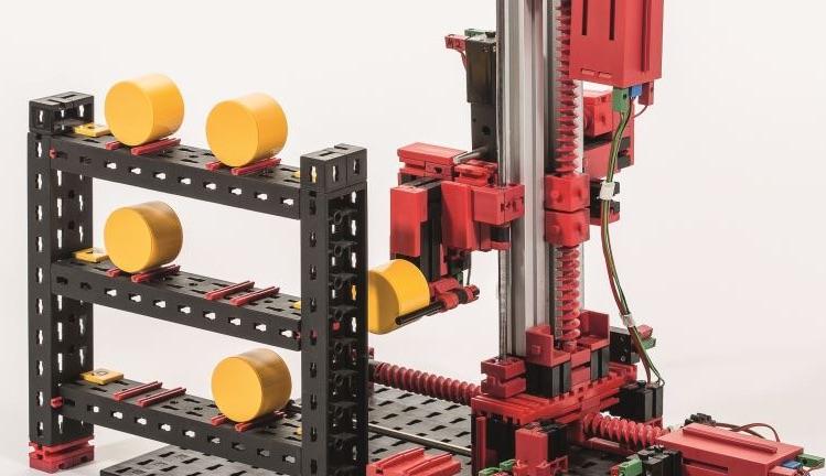 Fischertechnik robot bouwpakket voor techniek leerlingen