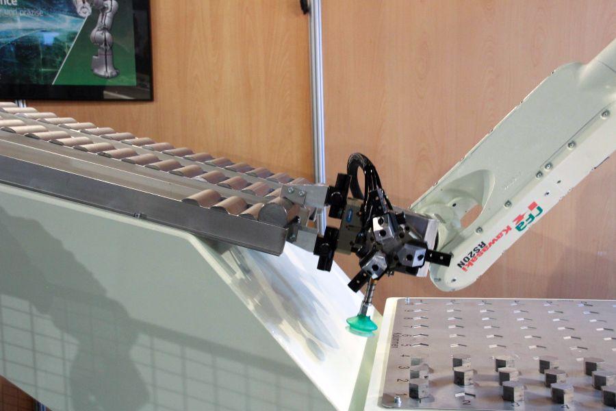 RFA: 3 grijpersystemen in één module