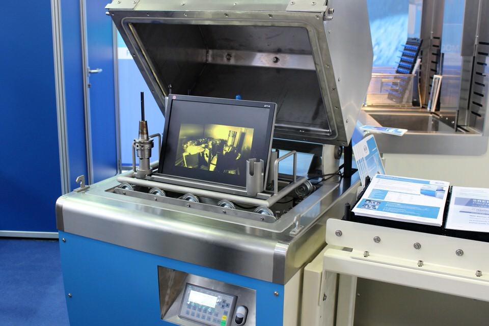 MOC Dolphin SVT: compacte reiniger voor CNC-gereedschappen
