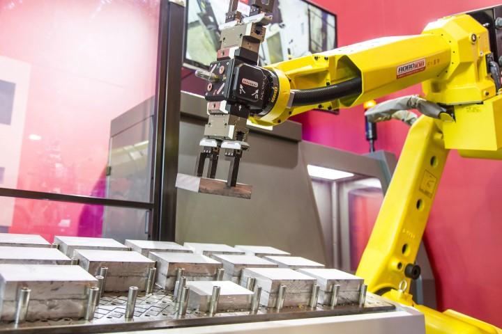 Functionaliteit als service: programmeren CNC en robot wordt service via cloudplatform