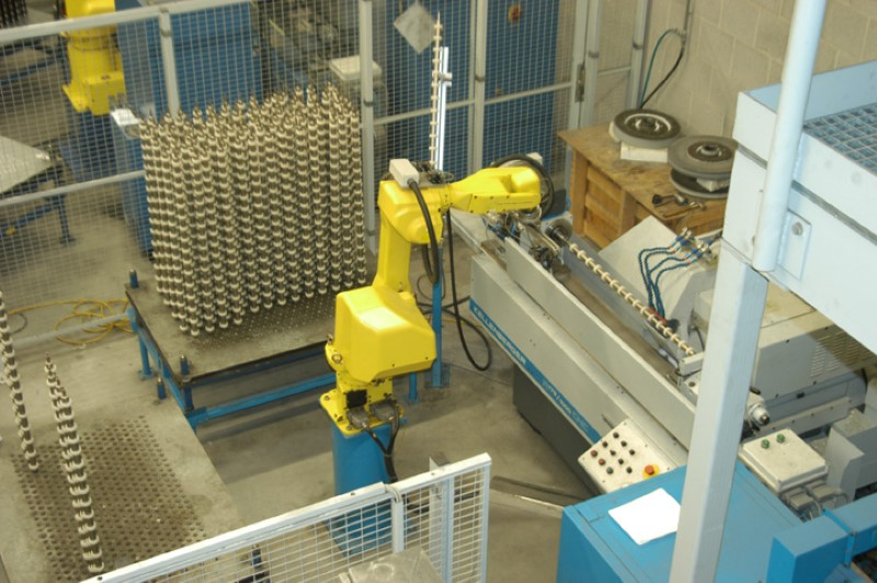 De productie in Noord Holland is vergaand geautomatiseerd.