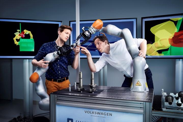 VW laat slimme robot met gevoel samenwerken met de mens