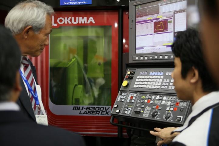 Okuma integreert lasertechnologie  in 5-asser