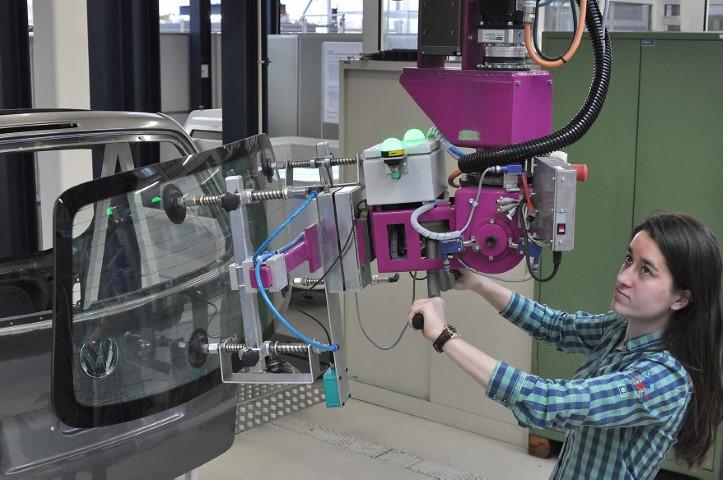 Autonome fabriek komt er, maar de mens blijft nodig