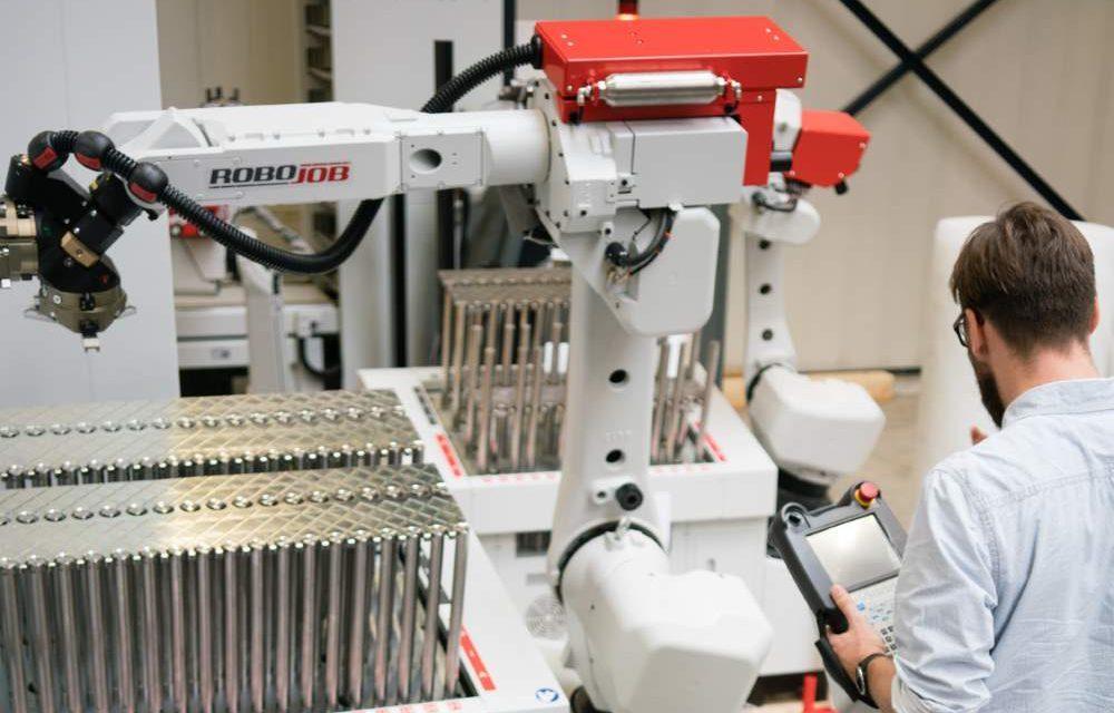 RoboJob toont nieuwe modellen op Machineering